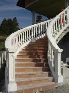 Okrasni betonski stebri za ograje